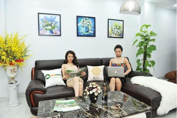 bộ bàn ghế sofa góc giả da đẹp cho phòng khách