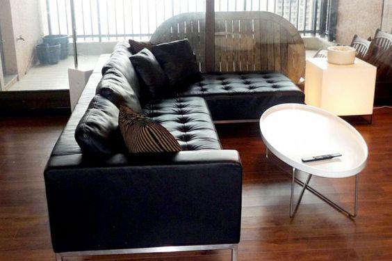 ghế sofa da màu đen dạng góc