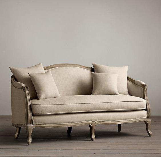 ghế sofa bọc vải bố xưa cũ hoàng gia