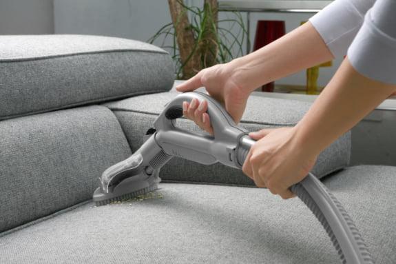làm sạch ghế sofa vải tại nhà