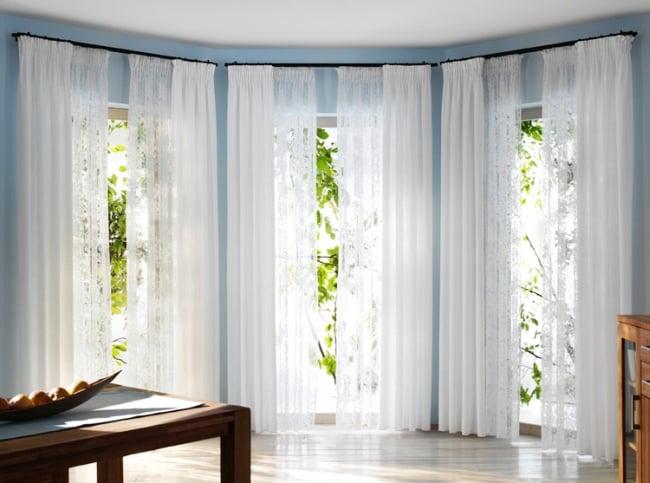 Chiếc rèm cửa có tác dụng khá quan trọng khi đem tới sự dịu mát cho không gian trong căn phòng