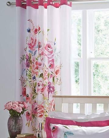 mẫu rèm cửa dễ thương màu hồng dành cho bé gái