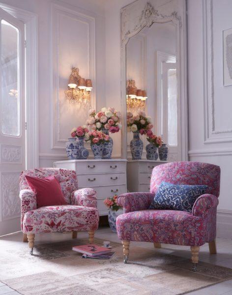 Ghế sofa vải hoa đơn.