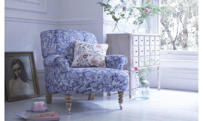 bàn ghế sofa vải hoa cho không gian phòng khách