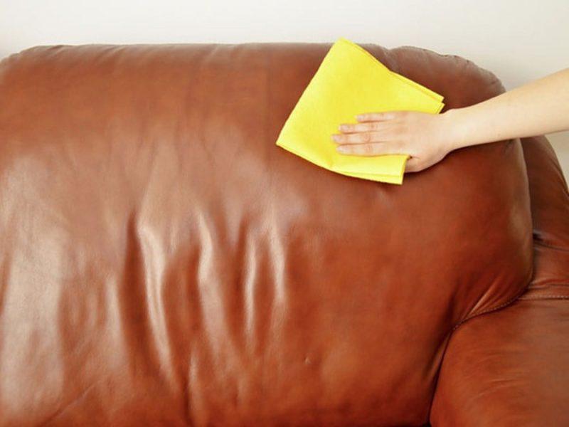 Sofa da công nghiệp dễ lau chùi vệ sinh và làm sạch.