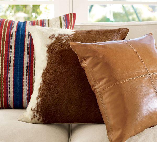 gối ôm sofa chất liệu da thật