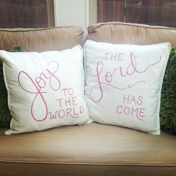 gối ôm trang trí sofa phòng khách