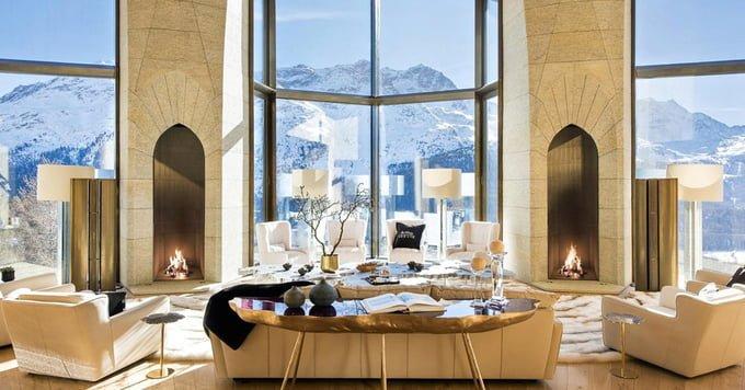 Công trình tại khu trượt tuyết St. Moritz (Thụy Sĩ) được đánh giá là ngôi nhà ấn tượng nhất thế giới với khung cảnh và sự sa hoa khó có nơi nào sánh kịp