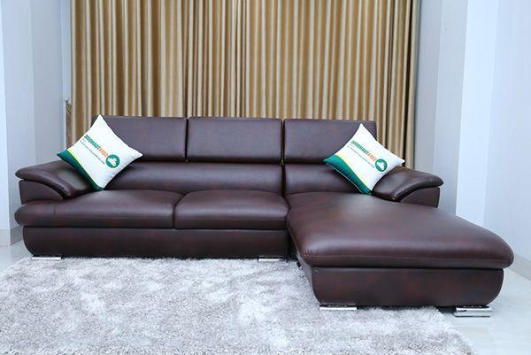 Ghế sofa chân inox dạng ống tròn.