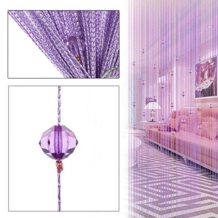 Mẫu rèm hạt nhựa màu tím mộng mơ với căn phòng tông màu tím. Sang trọng, đẳng cấp và không kém phần tình cảm. Rất thích hợp với những phong cách hiện đại hoặc căn phòng của những cô nàng điệu đà