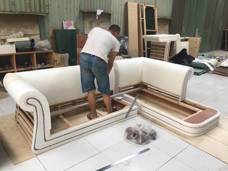 Không nhiều đơn vị kinh doanh sở hữu xưởng đóng ghế sofa riêng