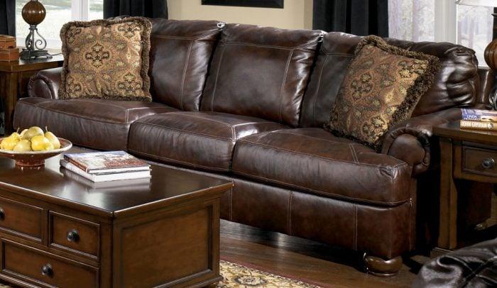 ghế sofa màu nâu da thật