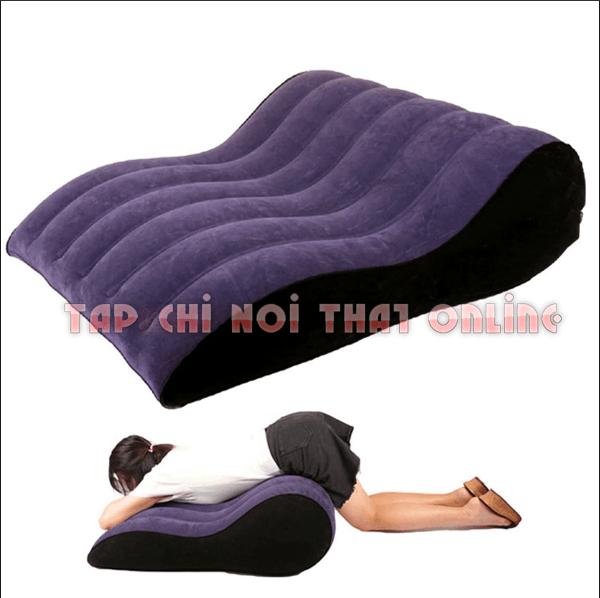 Một mẫu ghế tình yêu bơm hơi khá tiện dụng cho người sử dụng.