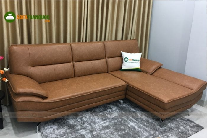 Bộ ghế sofa góc chất liệu da công nghiệp có giá 16 triệu.