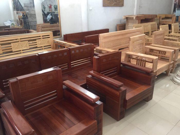Mẫu bàn ghế gỗ xem ra không còn được nhiều người sử dụng hiện nay