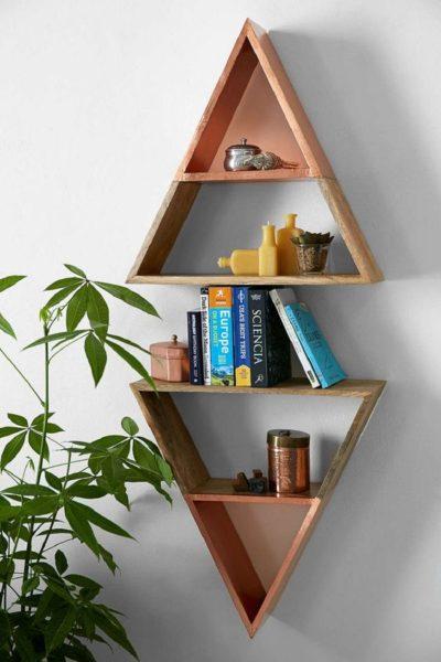 mẫu giá sách treo tường nhỏ hình tam giác