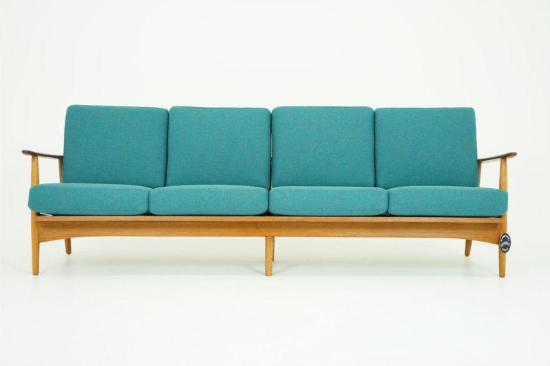 ghế sofa văng dài đệm bằng gỗ sồi đỏ