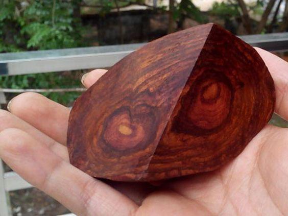 gỗ sưa dùng để làm gì